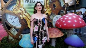 """""""Alicja po drugiej stronie lustra"""" zaczarowała Los Angeles. Gwiazdy przybyły na uroczystą premierę"""