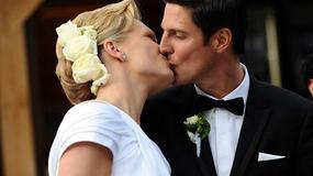 Blond piękność wyszła z mąż!