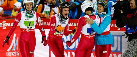 Perfekcyjna robota drużyny Kruczka. Wszyscy ich krytykowali, a oni odpowiedzieli brązowym medalem MŚ. Zobacz ich skoki!