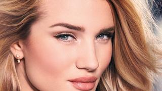 Rosie Huntington-Whiteley debiutuje ze swoją linią kosmetyków