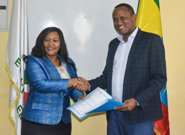 enGen CEO Rebecca Miano with her Ethiopian Electric Power (EEP) counterpart Abraham Belay