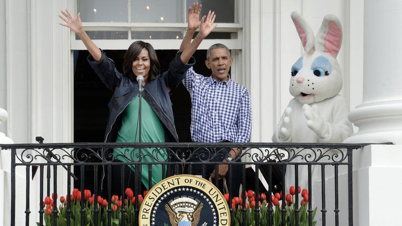 Michelle és Barack magával a Húsvéti Nyuszival nyitotta meg az ünnepélyt / Fotó: Northfoto