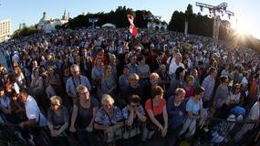 """Tłumy pielgrzymów na koncercie """"Wiara, nadzieja, miłość"""" w stolicy"""