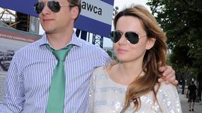 Maciej Stuhr przyłapany na spacerze z piękną żoną