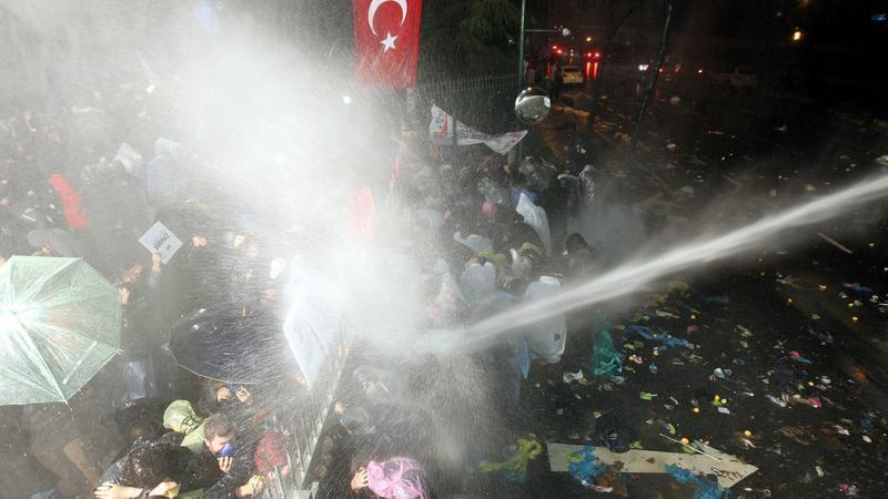 Tüntetés Törökországban / Fotó: MTI