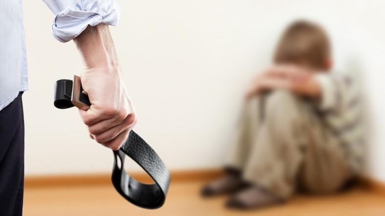 Durván bántalmazták a nevelők a gyermekeket  / Fotó: Shutterstock