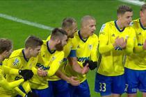 Śląsk - Arka (0:1): Kriwiec dograł idealną piłkę na głową Łukasiewicza, a obrońca pewnym strzałem pokonał Wrąbla