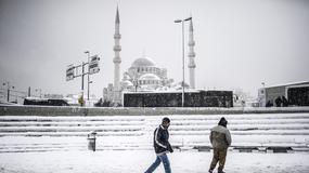 Burza śnieżna sparaliżowała na trzy godziny lotnisko w Stambule