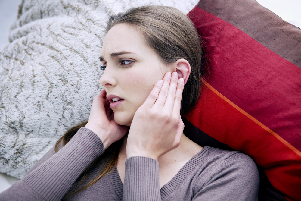 Fáj a füle? Így enyhítheti otthon a fájdalmat!