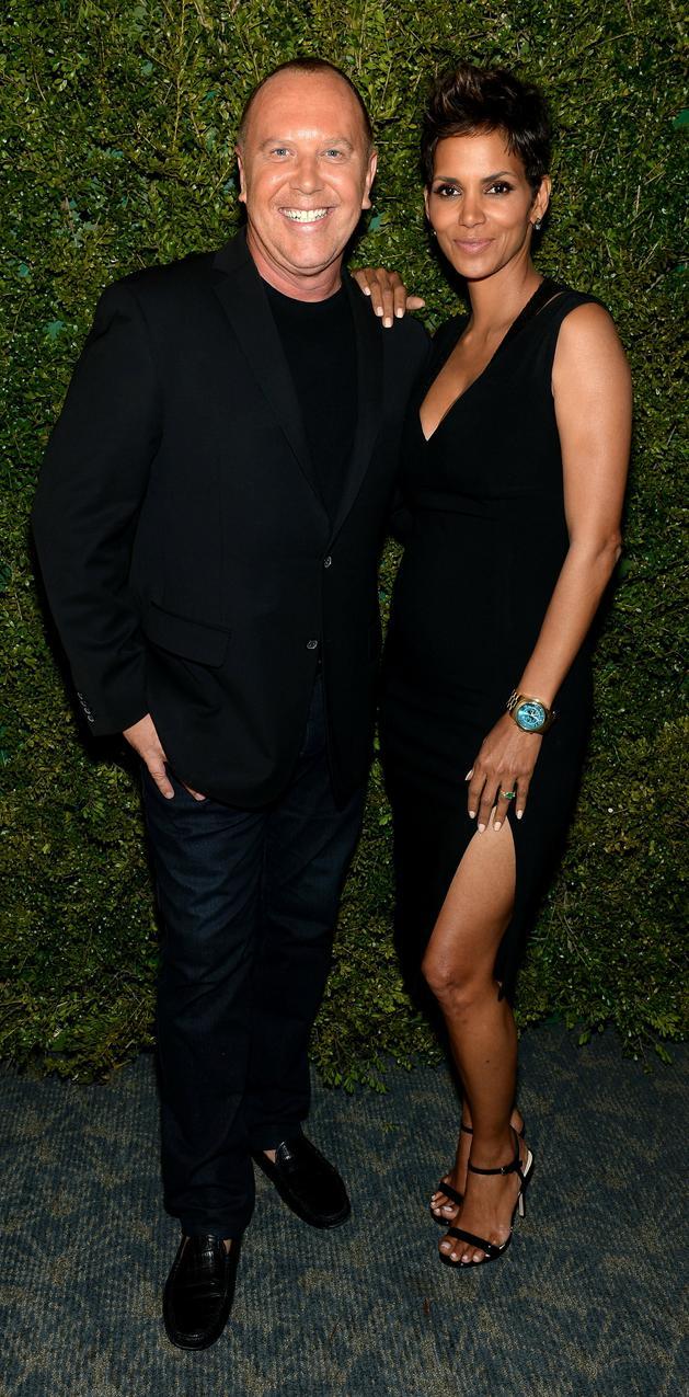 Getty Images/Flash Press Media - Halle Berry i Michael Kors. Aktorka w sukni Michaela Korsa.