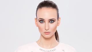 VU Beauty: konturowanie twarzy