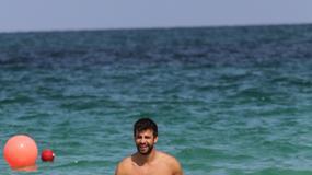 Seksowny Gerard Pique na wakacjach