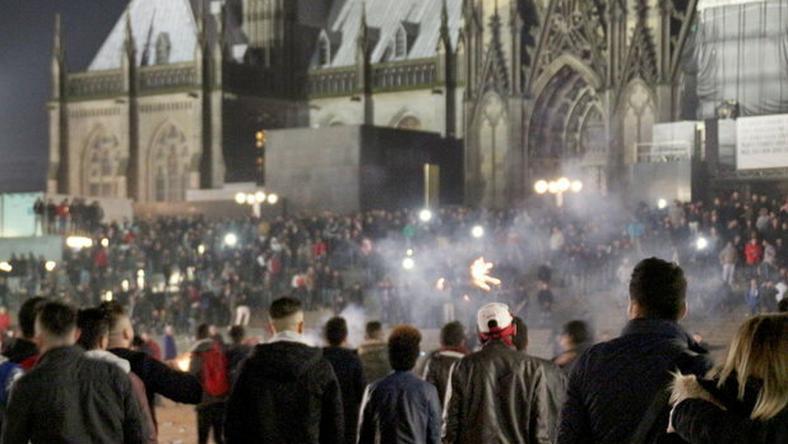 Kölnben ezer bevándorló hátterű ember randalírozott / Fotó: MTI