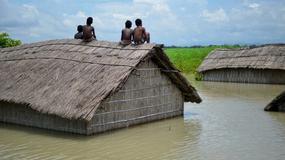 Śmiertelne żniwo monsunowych deszczy w Nepalu i Indiach
