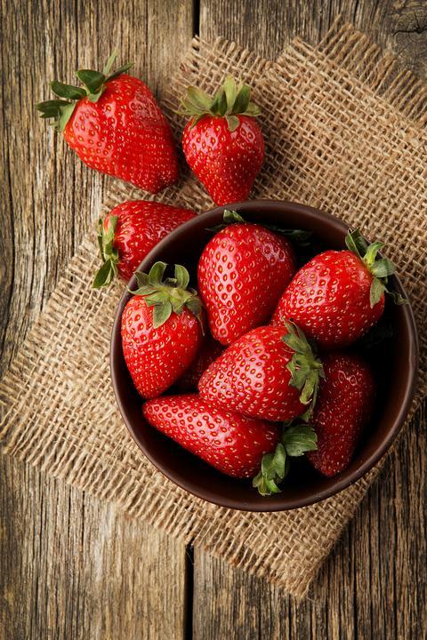 zdrowie profilaktyka warzywa owoce ktorych lepiej jadac zimie ogorki pomidory banany kiwi tnfc