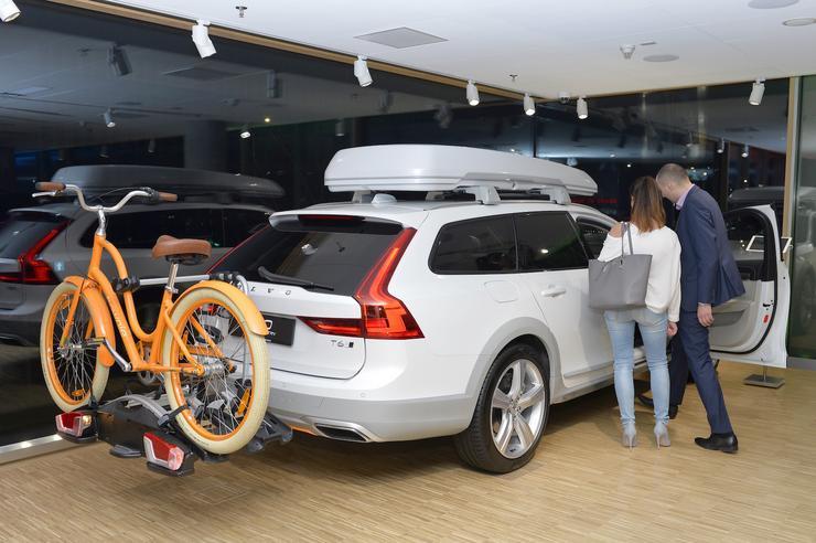 volvo otworzy�o wyj�tkowy salon w centrum warszawy auto