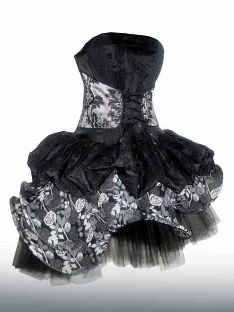 Crna svilena haljina sa lišćem, 100 % svila, 28.000 RSD (Kliknite za uvećanje)