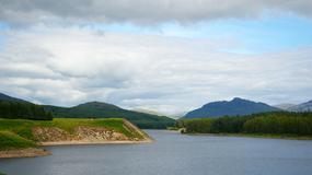 Powrót potwora z Loch Ness - czy David Elder sfotografował Nessie?