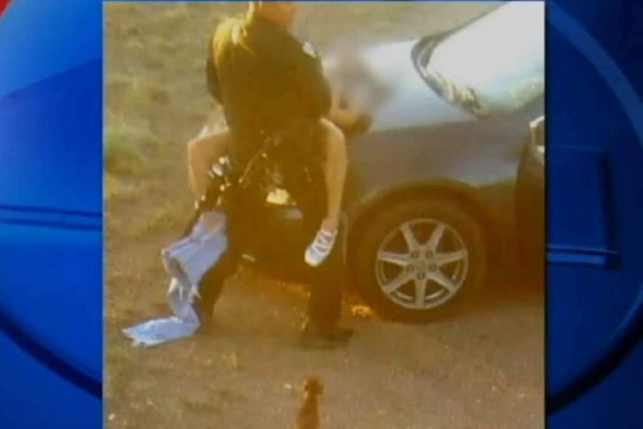 Policjant uprawiał seks na służbie