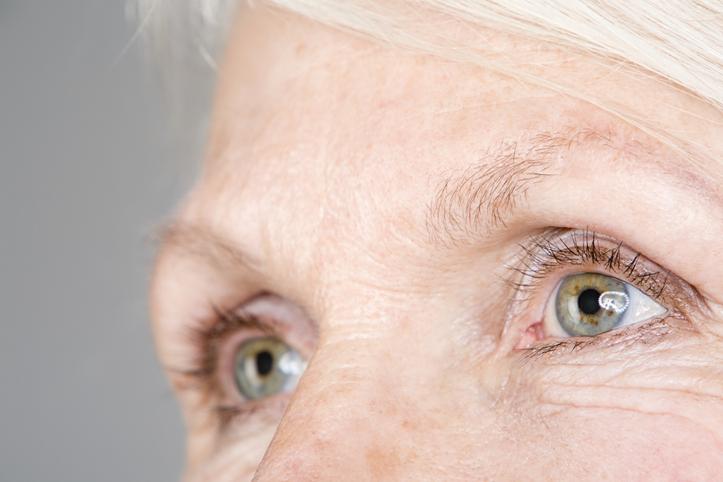 ha szürkehályog-műtét során rossz látás okozta szemfájdalom