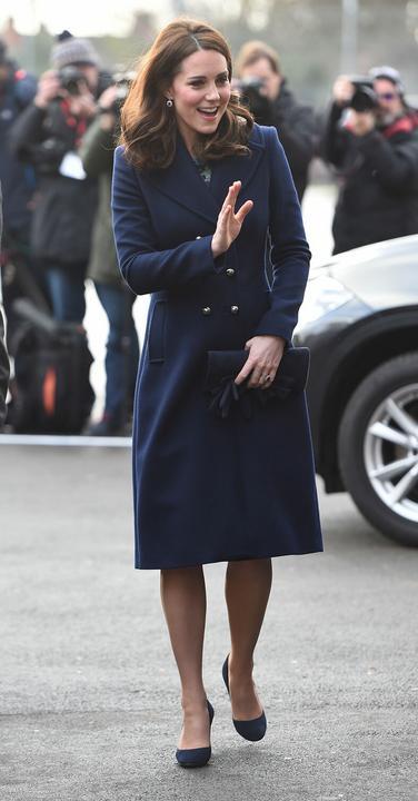 Kék kabátban a hercegné.  Fotó: Puzzlepix