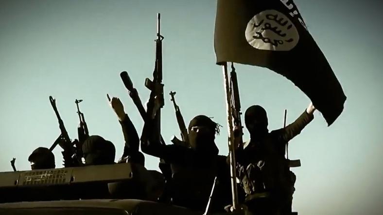 Az Iszlám Állam terroristái Angliát veszik célpontba? /Fotó: AFP