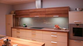 Kuchnie z drewnianymi blatami