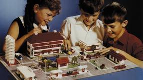 LEGO od 85 lat bawi dzieci i dorosłych na całym świecie. Od czego firma zaczynała?