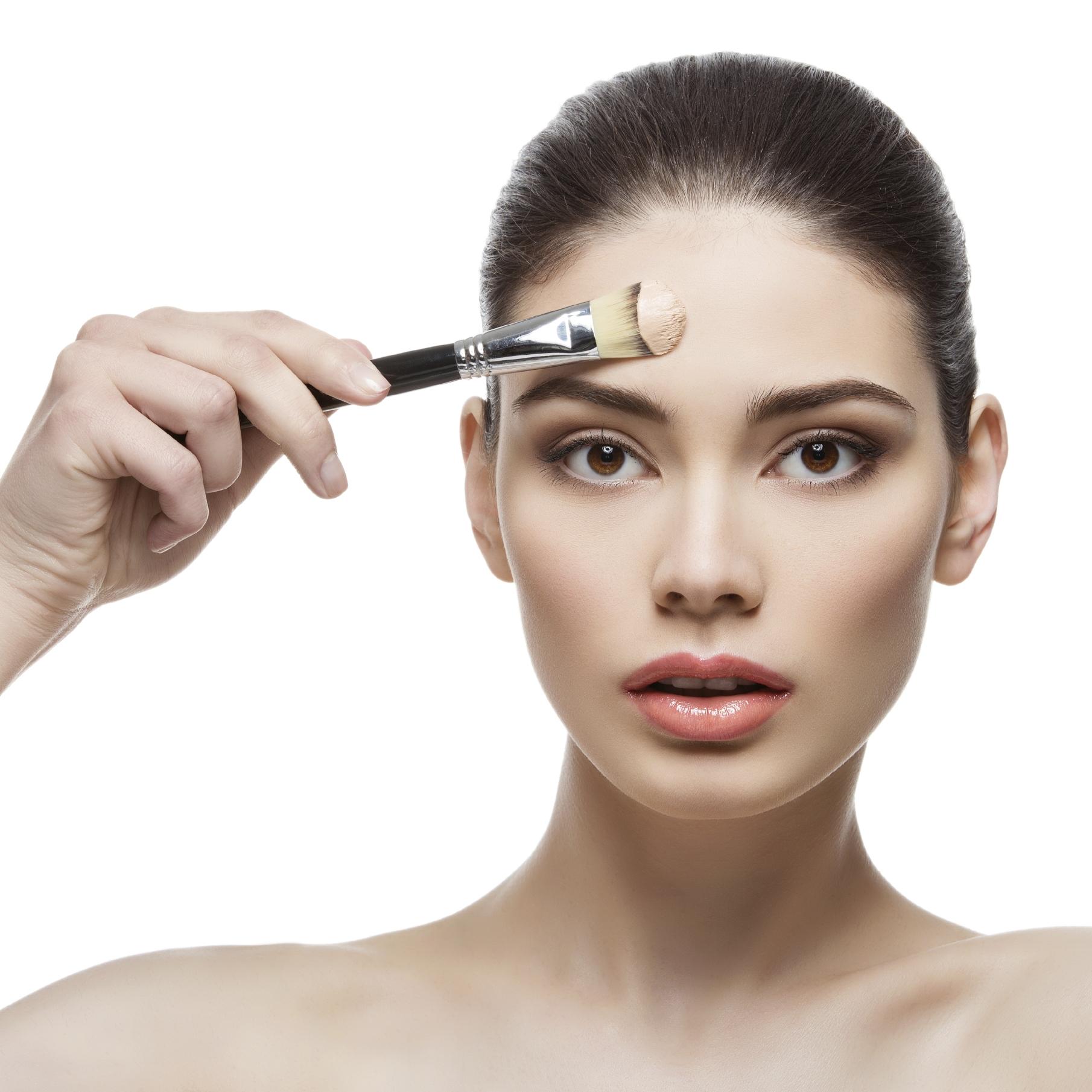 Нужна ли база под макияж для жирной кожи