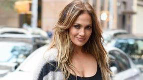 Jennifer Lopez znów zachwyca. Nawet w zwykłym sweterku wygląda seksownie