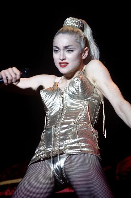 Madonna w gorsecie projektu Jeana Paula Gaultiera