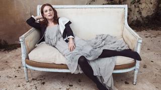 Julianne Moore w romantycznych stylizacjach