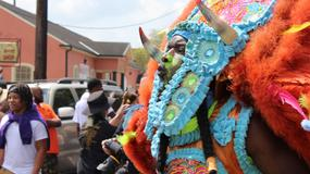 Karnawał w Rio? Przebija go parada czarnoskórych Indian w Nowym Orleanie