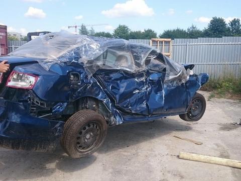 Zdjęcie do artykułu: Sprowadzany z USA samochód okazał sie odpadem