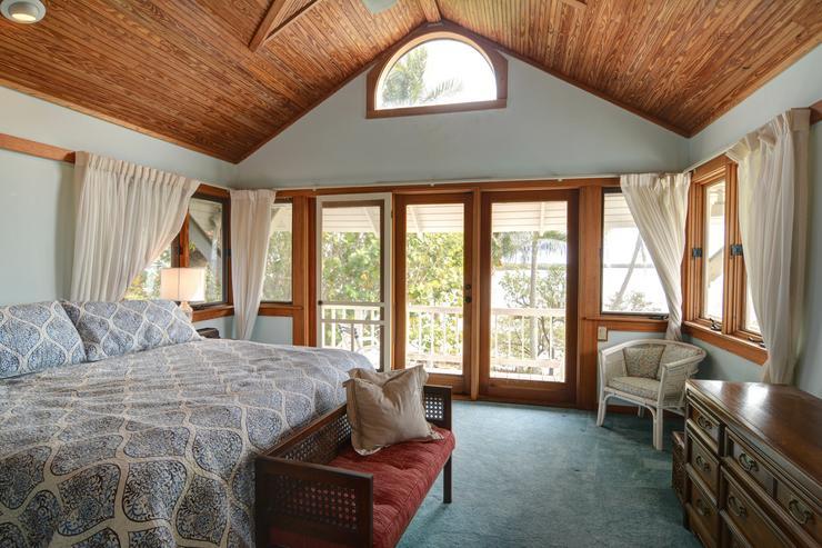 Így néz ki a tág és világos hálószoba, amiből összesen három található a házban /Fotó: Northfoto