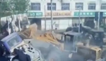 Nadrealan snimak: Buldožeri se bore kao TRANSFORMERSI u Kini