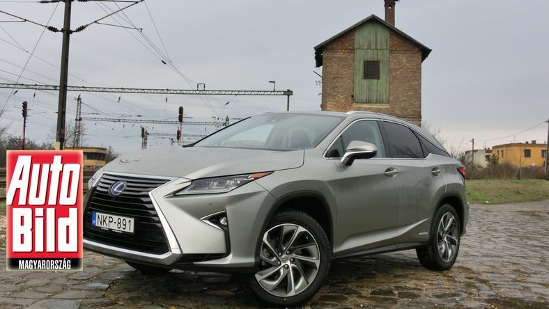 Eddig sokan unalmas jelzővel illeték a Lexus RX-et, a japán designer csapat azonban most elengedte a fantáziáját. Átestek volna a ló túloldalára? – erre választ majd a vevők adnak