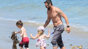 Megan Fox i Brian Austin Green z dziećmi nad morzem