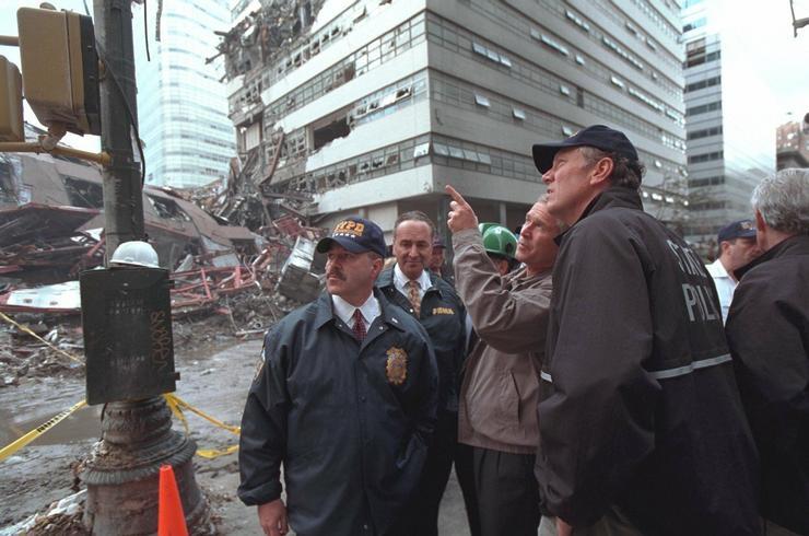 Bush személyesen is megtekintette az összedőlt WTC ikertoronyokat / Fotó: Profimedia-Reddot