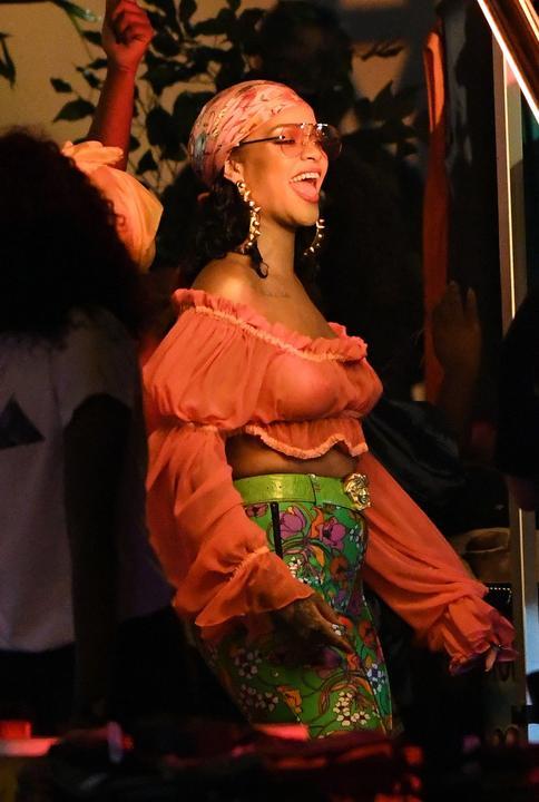 A zenei producer biztosan megörült, amikor meglátta Rihanna öltözékét / Fotó: Profimedia Reddot
