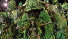 KARNEVAL U RIJU Samba, plesačice i šareni kostimi na ulicama grada