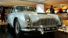 Szwajcarski milioner chce sprzedać samochód Bonda