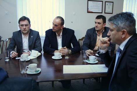 Nikola Selaković na sastanku u Vršcu