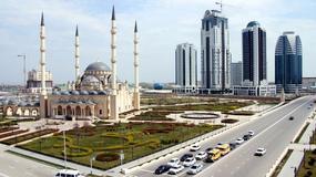 Grozny powstałe z ruin - zdjęcia współczesne i archiwalne (sprzed 10 i prawie 20 lat) stolicy Czeczenii