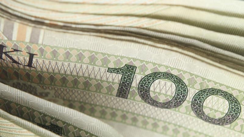 Blisko 200 tysięcy złotych mieli znaleźć prokuratorzy u byłego proboszcza katedry polowej