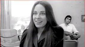 Mija 10 lat od śmierci Marcheline Bertrand, matki Angeliny Jolie