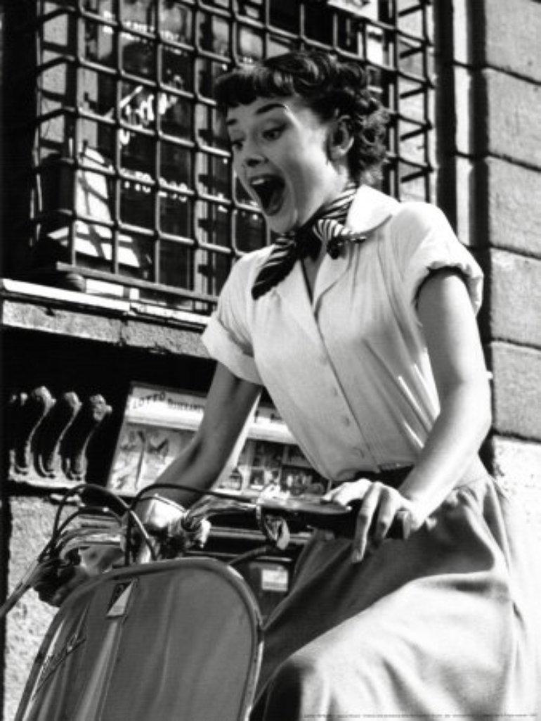 """Audrey Hepburn w filmie """"Rzymskie wakacje"""""""