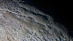 Najdokładniejsze kolorowe zdjęcia Plutona i Charona