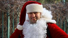 Karolak - niezbyt święty i trochę nagi Mikołaj