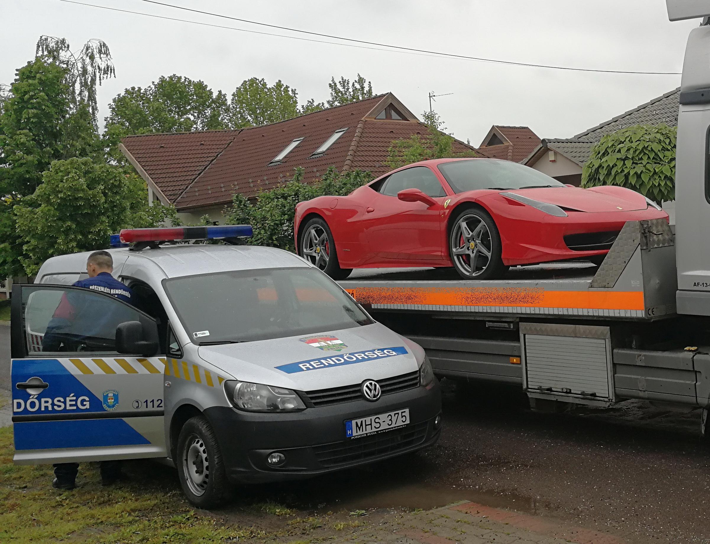 bb4fe33cfa Lecsaptak: tréleren vitték el a zsaruk a csaló banda luxusverdáit - Blikk.hu